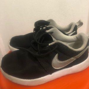 Nike Roshe Little Kids Size 1Y